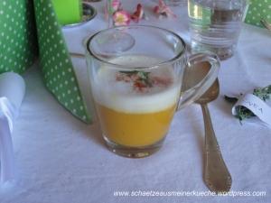 Süßkartoffelsuppe mit Sahneschaum