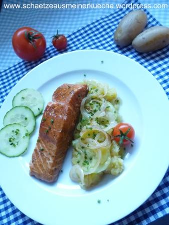 Lachsfilet mit Kartoffel-Gurken-Salat
