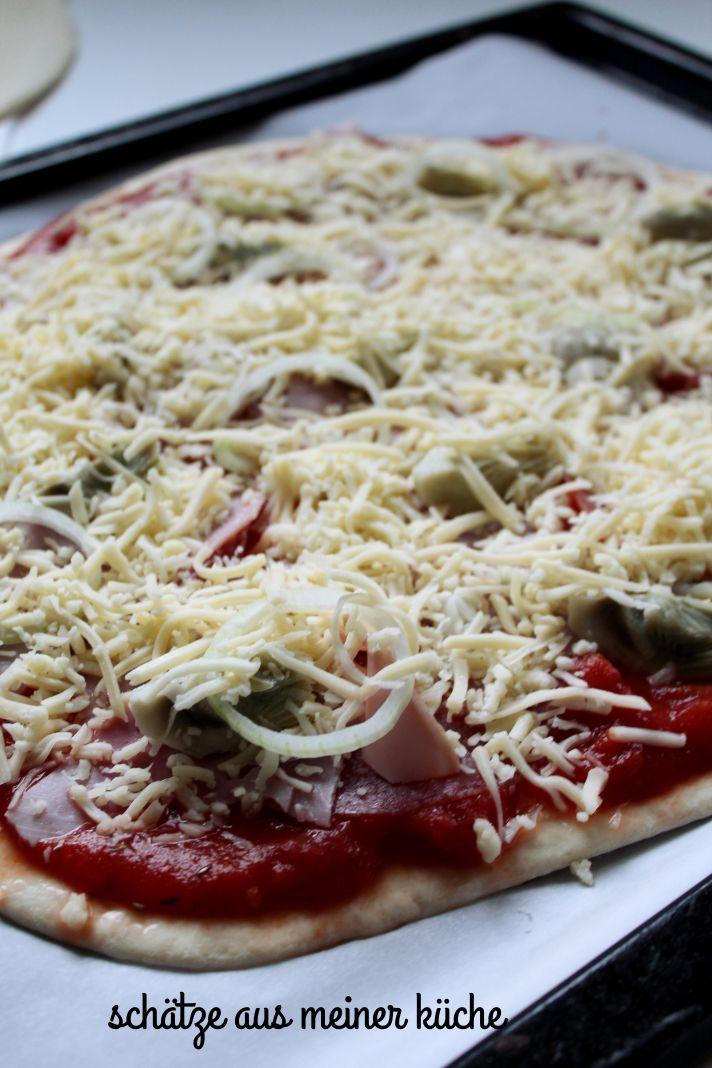 Pizza Schinken, Salami, Artischocken