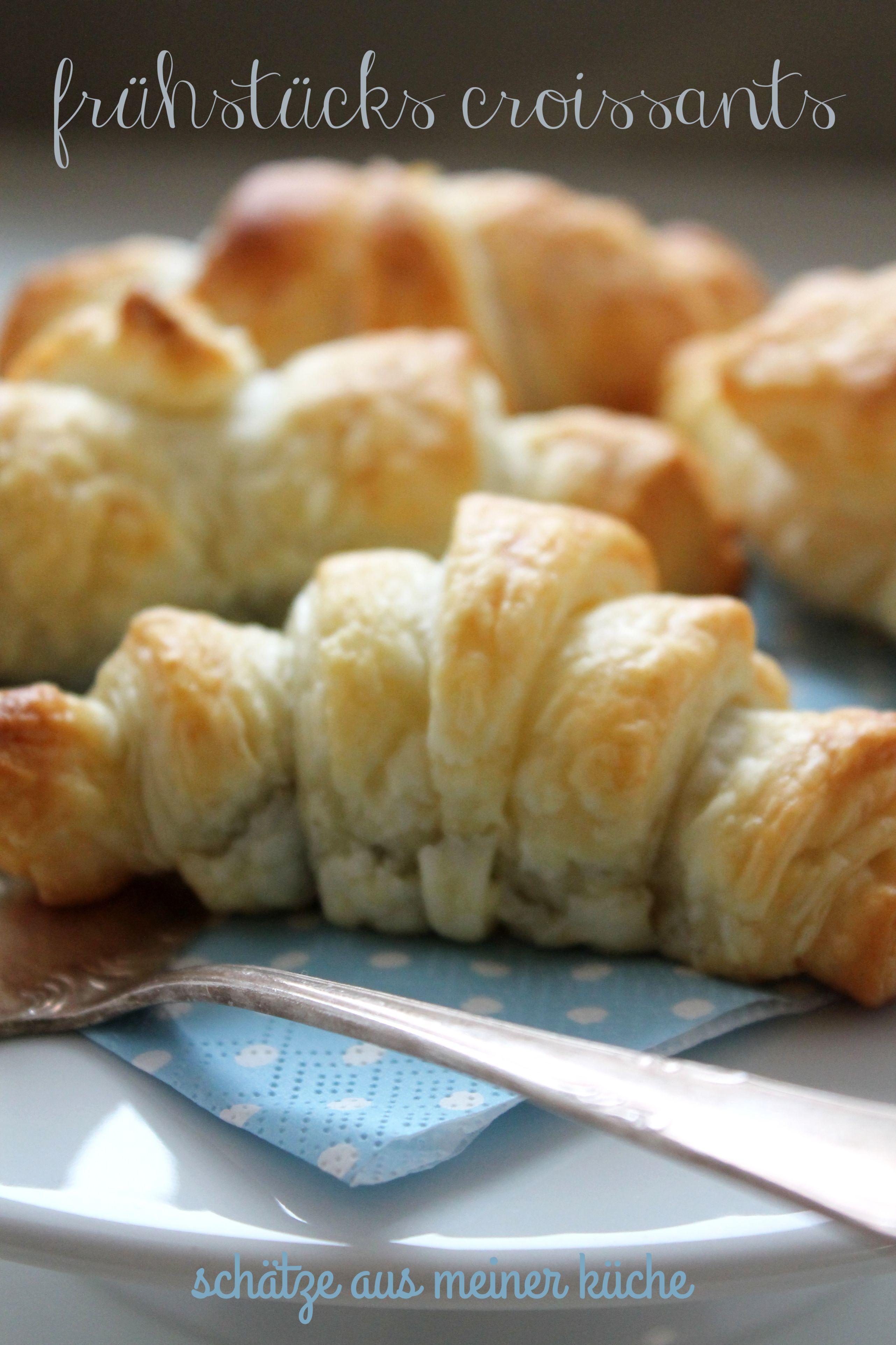 frische croissants zum fr hst ck sch tze aus meiner k che. Black Bedroom Furniture Sets. Home Design Ideas