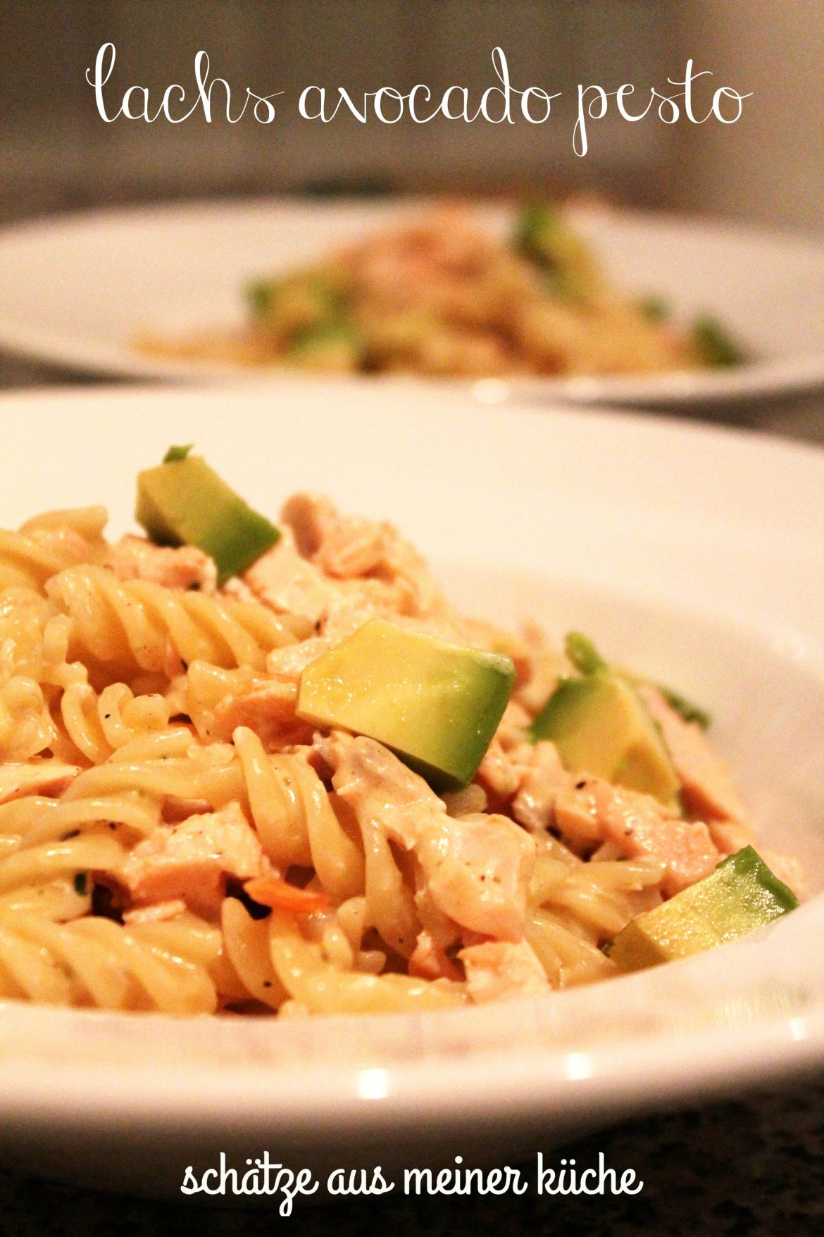 Lachs Avocado Pesto Pasta